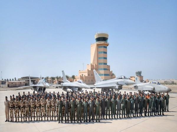 Oman: Joint exercise between IAF and RAFO 'Ex Eastern Bridge
