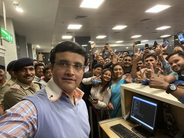 BCCI president Sourav Ganguly at Bengaluru airport (Photo/ Sourav Ganguly Twitter)