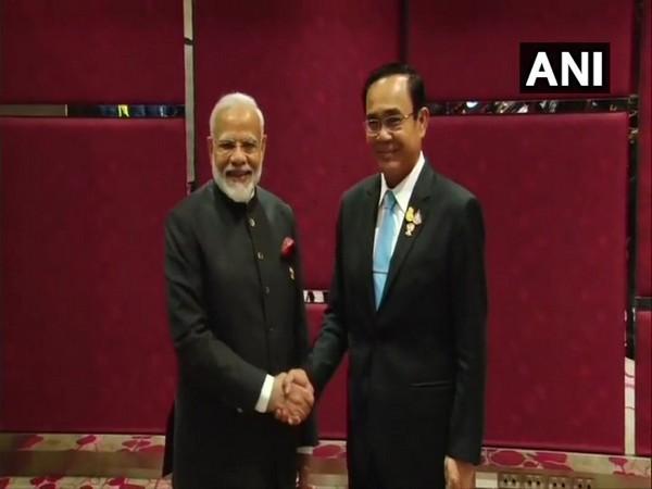 Thailand: Prime Minister Narendra Modi met Prime Minister of Thailand Prayut Chan-o-cha in Bangkok on Sunday. Photo/ANI