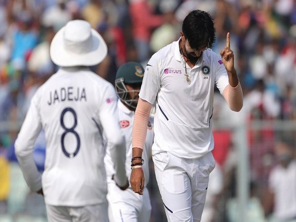 Pacer Ishant Sharma celebrates after taking a wicket against Bangladesh (Photo/ BCCI Twitter)