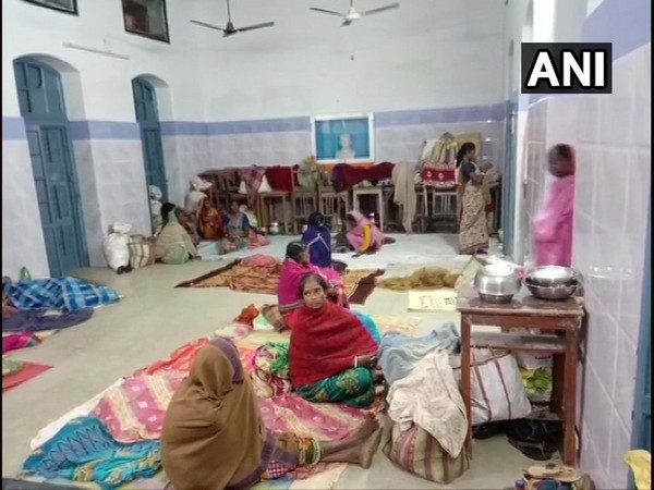 Villagers at a temporary shelter home set up in Balasore district after their huts were damaged [Photo/ANI]