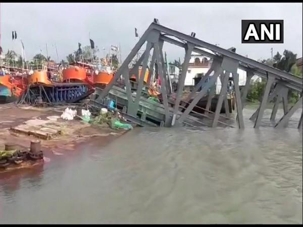 A visual of collapsed jetties at Hatania Doania river. (Photo/ANI)