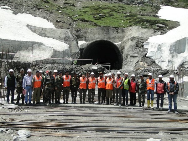 Rohtang tunnel (file photo)