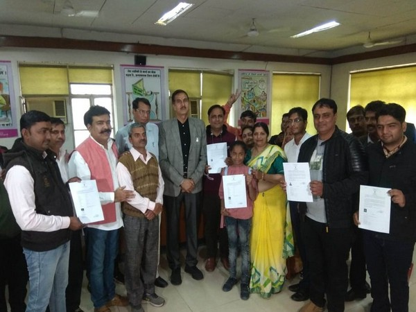 21 Pakistani migrants recieve Indian citizenship on Wednesday in Jaipur
