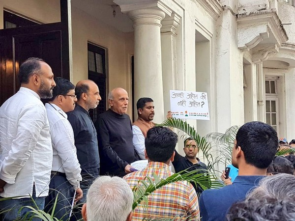 Filmmaker Mahesh Bhatt and others during a protest against CAA in Mumbai (Image Source: ANI)