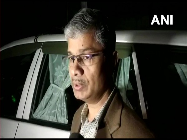 Lucknow Divisional Commissioner Mukesh Meshram talking to reporters in Lucknow on Thursday. Photo/ANI