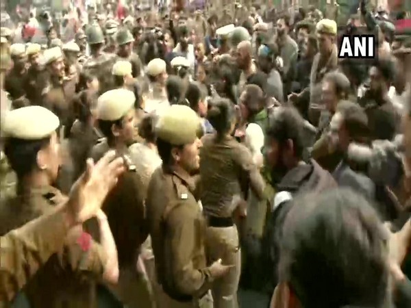 Delhi: Police resorted to lathicharge after a clash with protesting JNU students. Photo/ANI