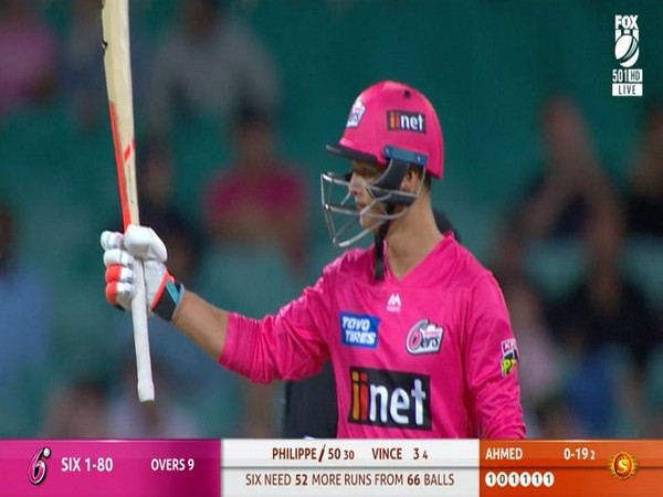 Sixers' opening batsman Josh Philippe in action against Perth Scorchers (Photo/ Sydney Sixers Twitter)