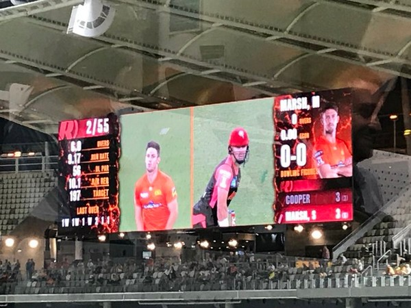 Match between Perth Scorchers and Melbourne Renegades (Photo/ Perth Scorchers Twitter)