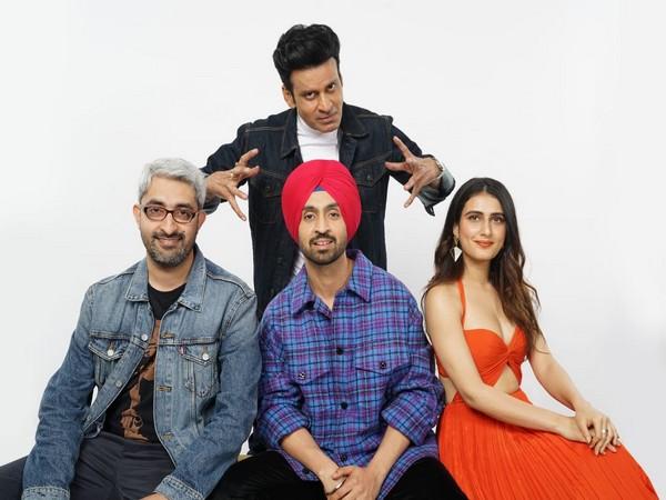 Manoj Bajpayee, Diljit Dosanjh and Fatima Sana Shaikh with director Abhishek Sharma.