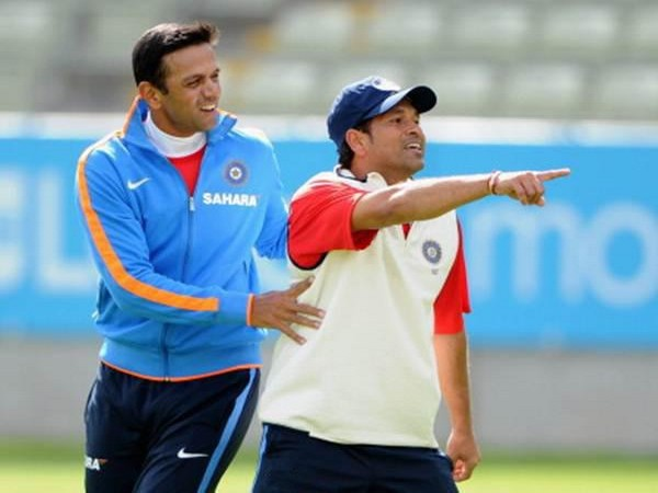 Sachin Tendulkar with Rahul Dravid (Photo/ Sachin Tendulkar Twitter)