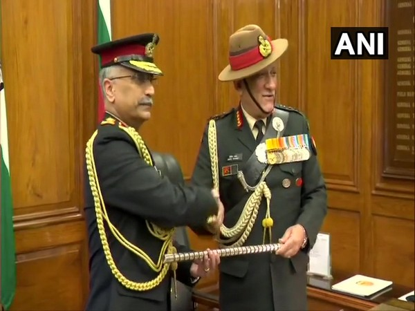 Lt Gen MM Naravane takes charge from General Bipin Rawat in New Delhi on Tuesday. Photo/ANI