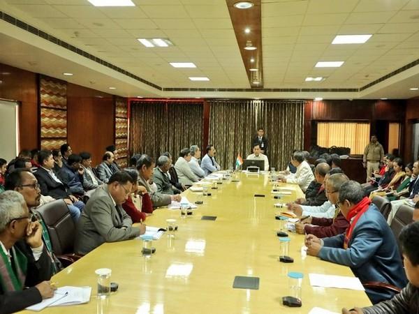 Assam Chief Minister Sarbananda Sonowal met representatives of various indigenous Sahitya Sabhas in Guwahati on Tuesday. Photo/ANI