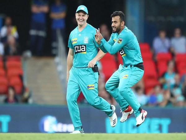 Brisbane's spinner Zahir Khan in action against Perth Scorchers (Photo/ BBL Twitter)