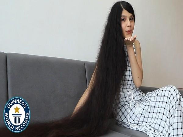 Nilanshi Patel (Image Source: Guinness World Records Twitter)