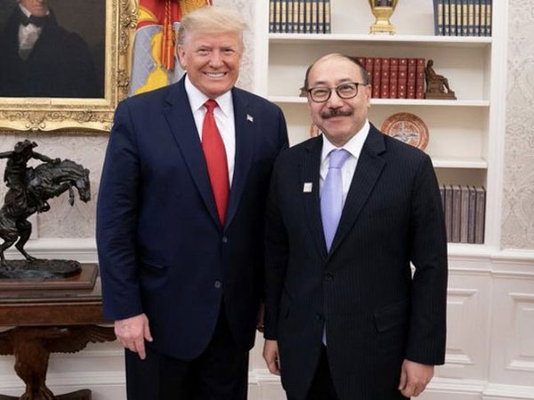 President Donald Trump and outgoing Indian Ambassador to the USA, Harsh Vardhan Shringla at the Oval Office.