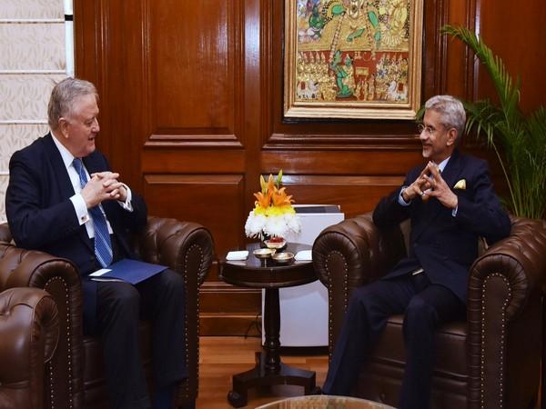 External Affairs Minister S Jaishankar with former US Senator Larry Pressler who will also attend the Raisina Dialogue 2020 in New Delhi