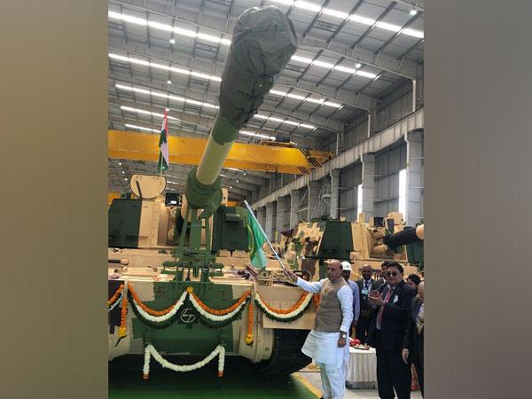 Union Defence Minister Rajnath Singh in Surat [Photo/ANI]