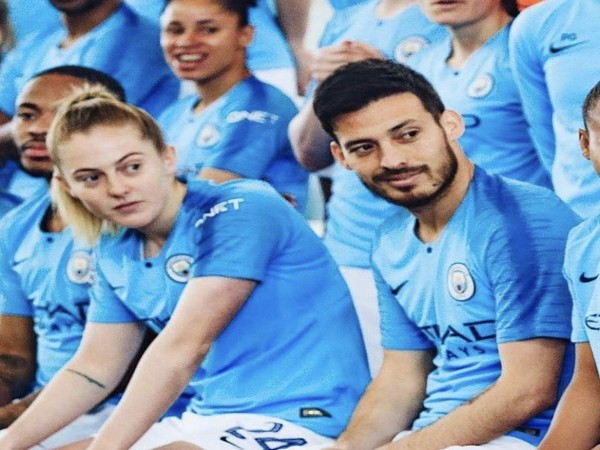 Manchester City's Keira Walsh with David Silva (Photo/ Keira Walsh Twitter)