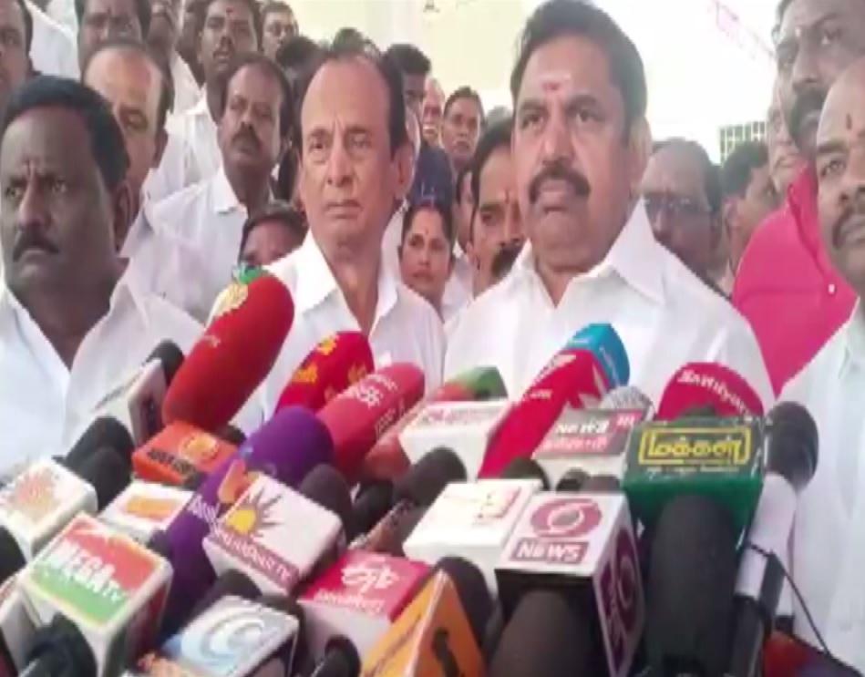 Tamil Nadu Chief Minister Edappadi K Palaniswamy talking to mediapersons in Salem on Tuesday. Photo/ANI