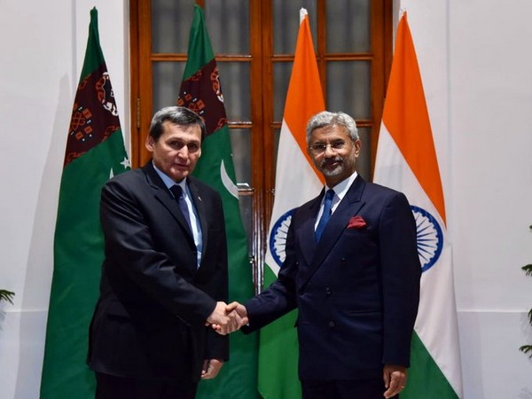 External Affairs Minister S Jaishankar [L] with his Turkmenistan counterpart Rashid Meredov [R] in New Delhi on Sunday.