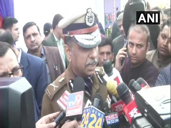 Special Commissioner (Crime) Praveer Ranjan speaks to media in New Delhi [Photo/ANI]