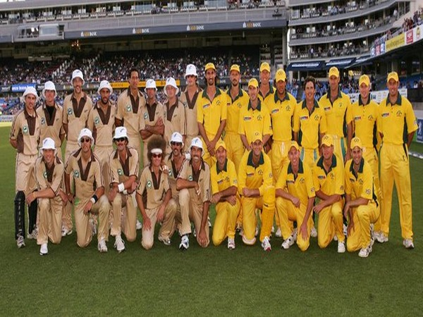 New Zealand and Australia cricket teams before first ever men's T20I (Photo/ ICC Twitter)