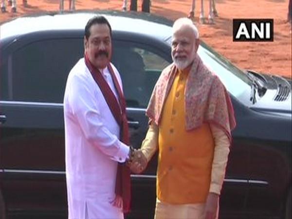 Prime Minister Narendra Modi and his Sri Lankan counterpart Mahinda Rajapaksa