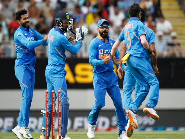Indian players in action against New Zealand in second ODI (Photo/ BCCI Twitter)