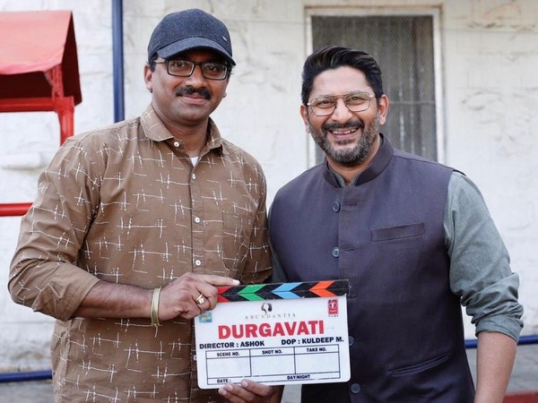 Director Ashok with actor Arshad Warsi (Image Source: Twitter)