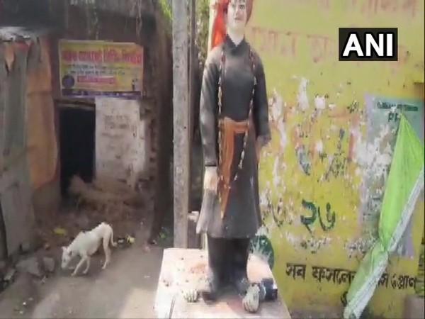 Vandalised statue of Swami Vivekananda in Murshidabad district.