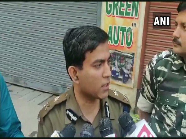 Joint Police Commissioner of Delhi (Eastern Range) Alok Kumar speaking to reporters on Monday. Photo/ANI