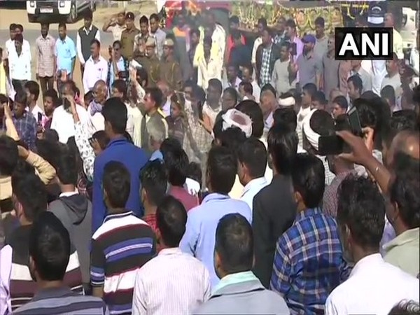 Last rites of Ratan Lal performed on Wednesday. Photo/ANI