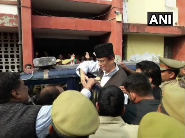 SP leader Azam Khan being taken to jail after the hearing in Rampur, UP on Wednesday. Photo/ANI