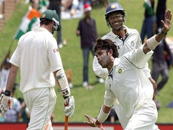 Sreesanth celebrates dismissing Graeme Smith during 2006 Test against South Africa (Photo/ Wasim Jaffer Twitter)