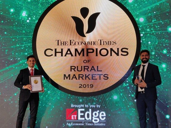 Priyabrata Das, Retail Business Leader and Sahil Khanna, Partnerships Business Leader at Greenlight Planet received the ET Champions of Rural Markets award on behalf of the company