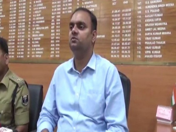 District Collector Alok Ranjan Ghosh talking to reporters in Muzaffarpur on Monday (Photo/ANI)