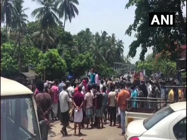 Stranded migrant labourers protest in Kerala.