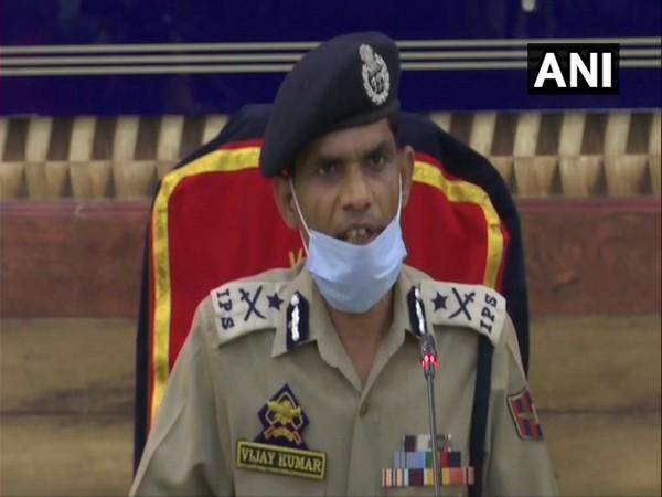 Inspector-General of Police (IGP), Kashmir, Vijay Kumar addressing a press conference on Thursday (Photo/ANI)
