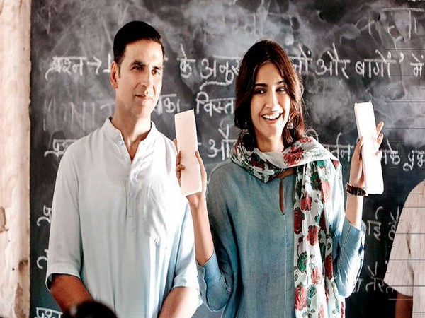Actors A still from the flick 'PadMan' featuring actors Akshay Kumar and Sonam Kapoor (Image Source: Twitter)
