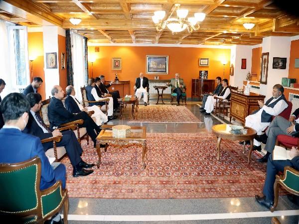 Russia, China, Pak urge Hamid Karzai, Abdullah Abdullah to form inclusive government during Kabul meet [Image: Twitter @DrabdullahCE]