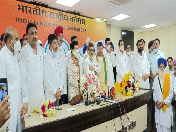 Visuals from Congress Headquarters in Delhi (ANI)