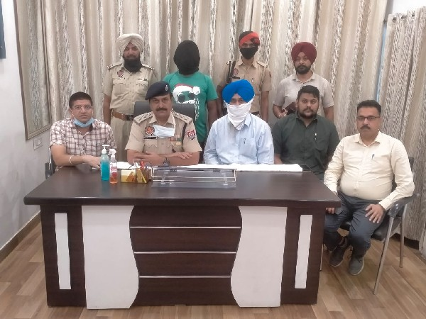 Punjab: Man arrested for providing Pakistani spy access to Indian defence personnel (Photo/ANI)