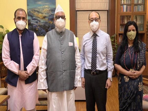 Foreign Secy Shringla meets Bangladesh Tariqat Federation officials (Photo Credit: Twitter)