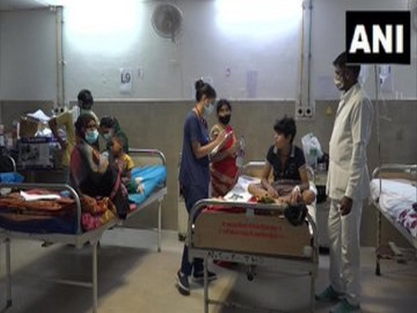 Visual from the dengue ward in Agra (Photo/ANI)