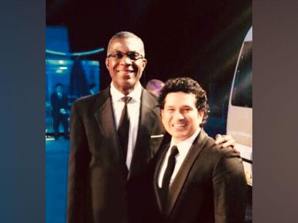 Michael Holding with Sachin Tendulkar (Photo/ Sachin Tendulkar Twitter)