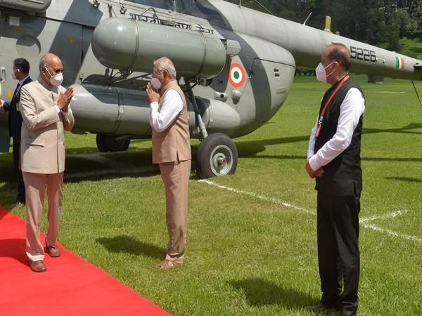 Governor of Himachal Pradesh Shri Rajendra Vishwanath Arlekar and Chief Minister Shri Jai Ram Thakur receiving President Kovind on his arrival at Shimla (Photo/ANI)