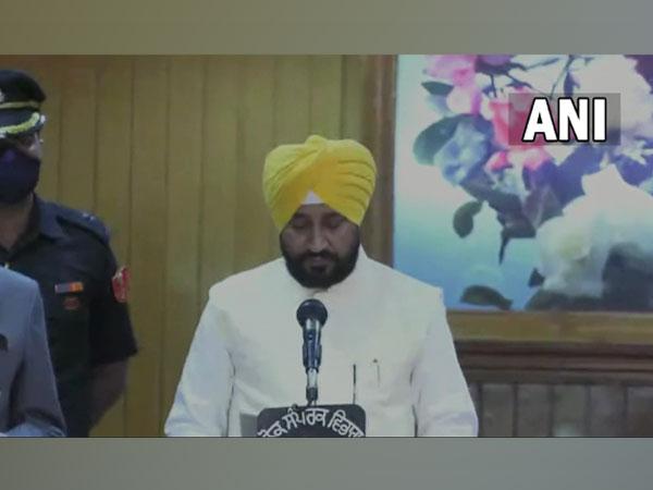 Charanjit Singh Channi taking oath as CM of Punjab. (Photo/ANI)