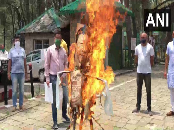 The effigy of Chinese President Xi Jinping was burnt in Dharamshala on Saturday. Photo/ANI