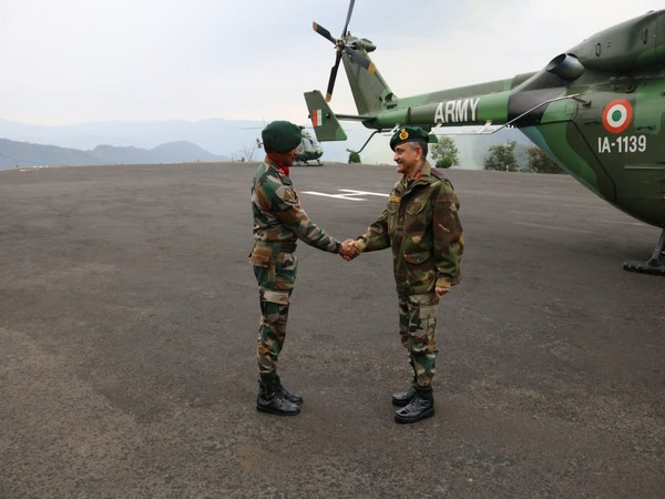 Eastern Army Commander, Lieutenant General Anil Chauhan (R) visited the Assam Rifles formation Headquarters.